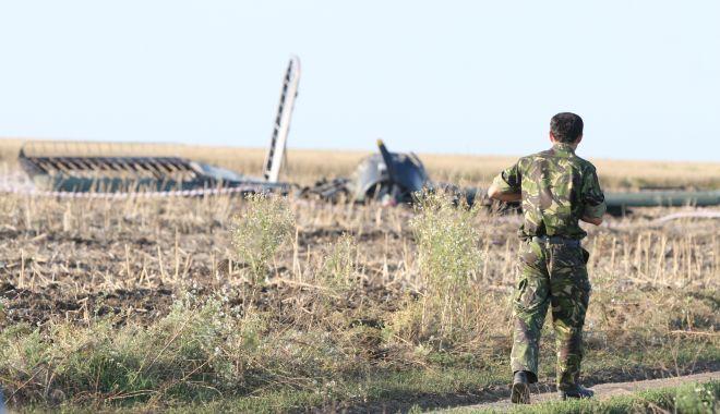 Un deceniu de la tragedia aviatică de la Tuzla. O anchetă fără vinovați și răni fără alinare! - tuzlaaccidaviatic1-1593958070.jpg