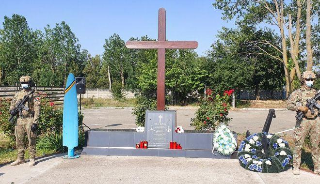 Un deceniu de la tragedia aviatică de la Tuzla. O anchetă fără vinovați și răni fără alinare! - tuzlaaccidaviaticsursacentruldes-1593957764.jpg
