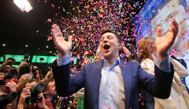 UE salută puternicul atașament al Ucrainei față de democrație după alegerea lui Zelenski - ue-1555933478.jpg