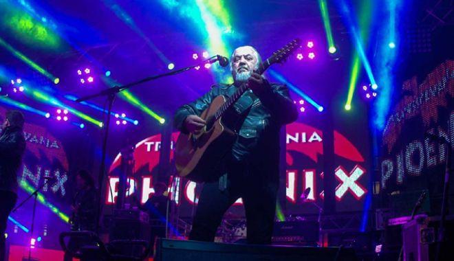 Foto: Un concert de neratat:  Phoenix - Cântece de codru