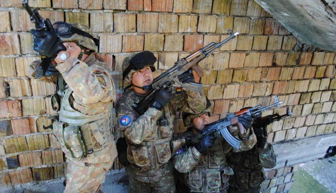 Foto: Militari români, la etapa de luptă în mediul urban, în Ungaria