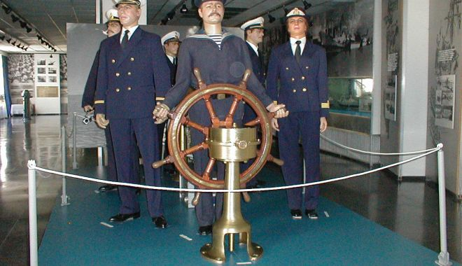 Foto: Uniforme de marină din secolul XVIII, în Portul Militar Constanța