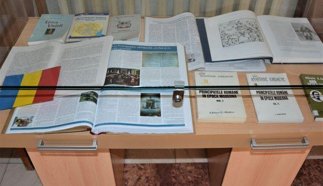 Unirea Principatelor Române, în cărţi. Expoziţie specială la Biblioteca Judeţeană Constanţa - unireaprincipatelor1-1611502153.jpg