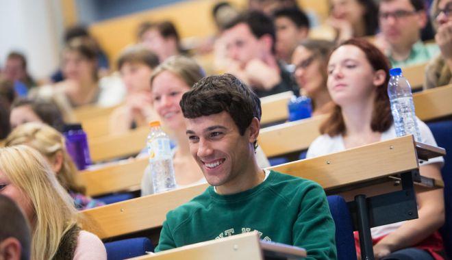 Foto: Noi specializări pentru studenţii tomitani