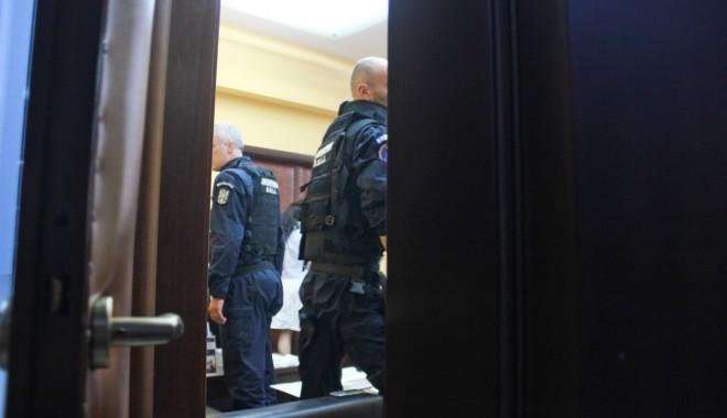 UPDATE / PERCHEZIȚII la UNIVERSITATEA OVIDIUS din CONSTANȚA. Rectorul DĂNUȚ EPURE, suspectat de fapte de corupție - universitateaovidiusanchetarecto-1375194386.jpg