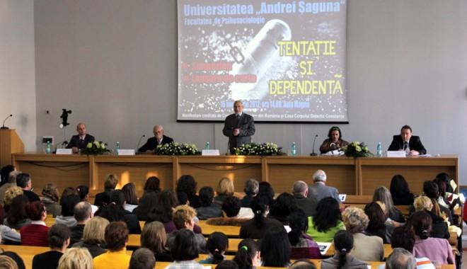Fenomenul de drogo-dependență, în dezbaterea specialiștilor - univsaguna-1353091483.jpg