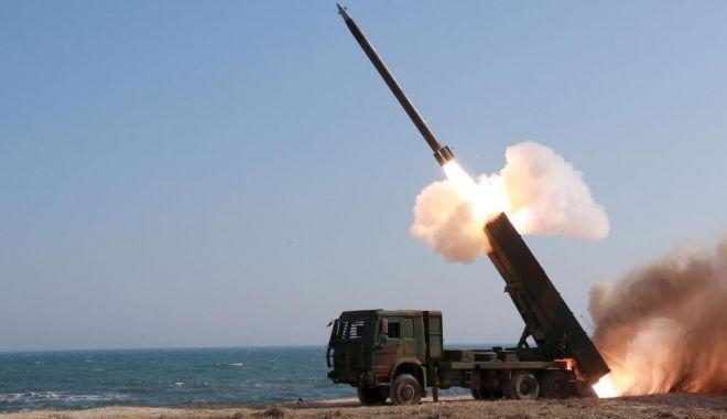 Foto: Un nou test cu rachete al Phenianului, criticat de premierul Japoniei