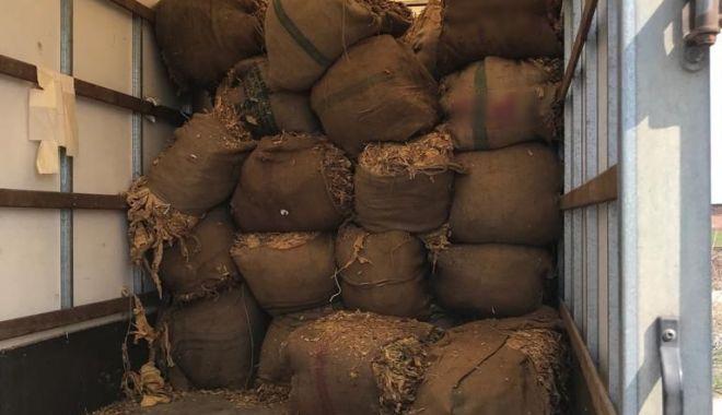 Foto: Un nou trend: contrabandă cu tutun prin serviciile poștale