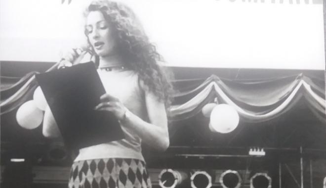 """Foto: Arhiva de Aur """"Cuget Liber"""". Diva din Monaco, la Serbările Tomitane, în 1998"""