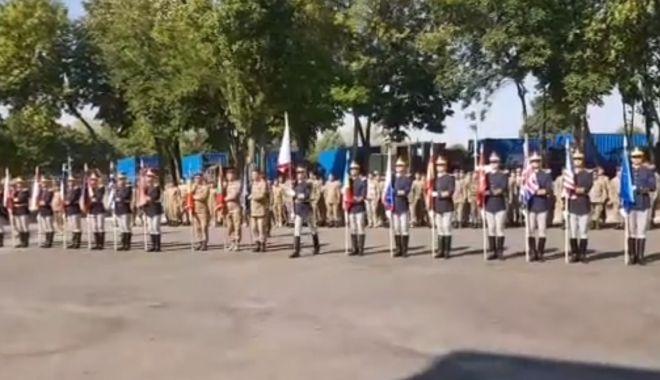 VIDEO. Ceremonial de arborare a drapelelor  la Comandamentul Multinațional de Divizie Sud-Est - untitled-1536322868.jpg