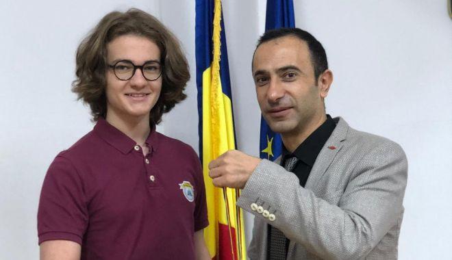 Edis Memiș, de la Liceul Internațional de Informatică din Constanța, medaliat cu argint la un nou concurs de matematică - untitled-1541490557.jpg