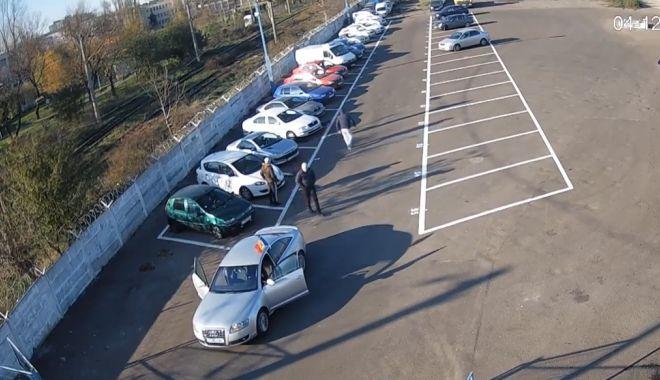 Foto: FOTO-VIDEO. Scandal monstru la Constanța, după ce o mașină a fost ridicată de Poliția Locală. Înjurături, violență și dosar penal!
