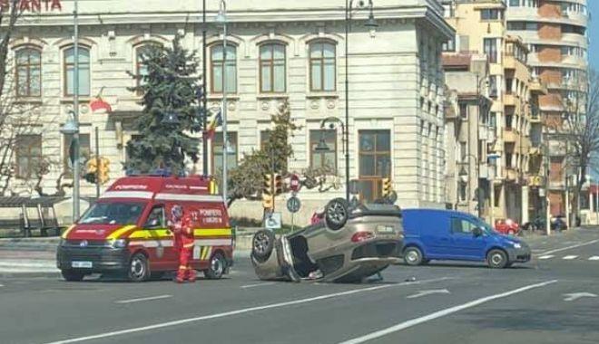 Foto: Accident rutier în intersecție la Miga. Au uitat șoferii de priorități?
