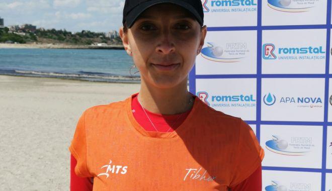 Eliza Samara a lăsat robotul de antrenament și a dat buzna pe plajă - untitled-1591281343.jpg