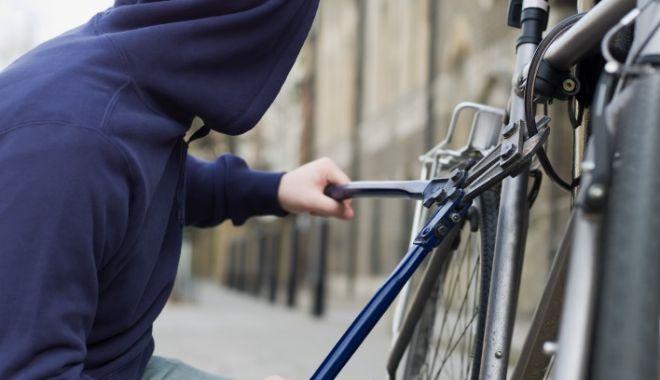 AMERICAN JEFUIT în stațiunea Mamaia. Hoțul a plecat cu bicicleta de 2.000 de euro! - untitled3333-1623412509.jpg