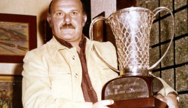 Unul din cei mai mari antrenori de baschet din România a trecut în neființă - unul-1515940527.jpg