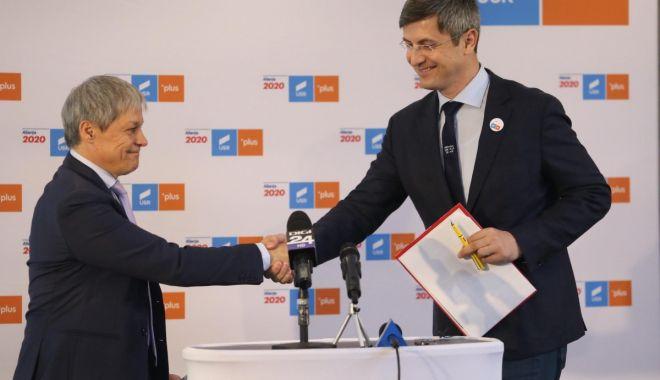 Foto: USR și PLUS, negocieri pentru stabilirea candidatului la prezidențiale