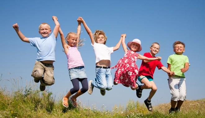 Foto: Veste ȘOC pentru elevi! Parlamentarii vor să desființeze vacanța de vară