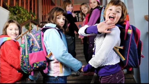 Foto: Ministrul Educației: Ce se întâmplă cu vacanțele elevilor, de anul viitor