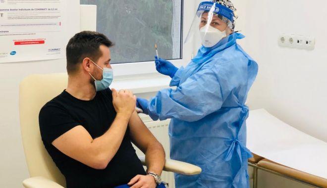 De astăzi, începe vaccinarea cadrelor didactice din Constanța - vaccinareprofesori-1614192989.jpg