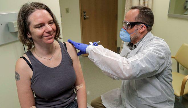 Alertă la Constanţa! Liste de aşteptare în farmacii pentru vaccinul antigripal - vaccinsursascience-1602782546.jpg