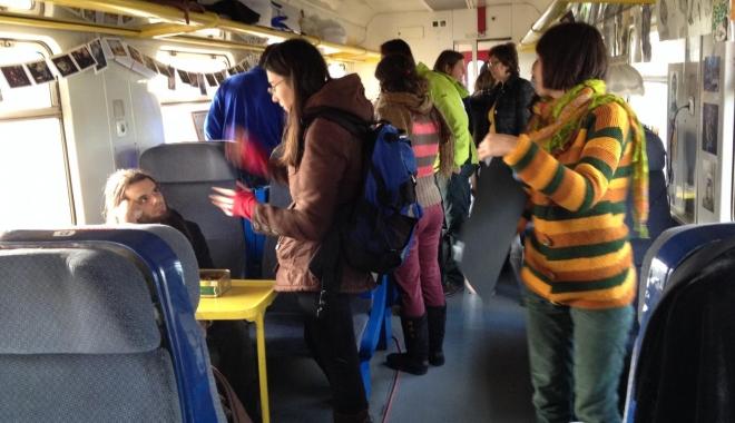 De la 1 FEBRUARIE studenții vor călători GRATUIT cu trenul - vagonulcreativ80-1483976666.jpg