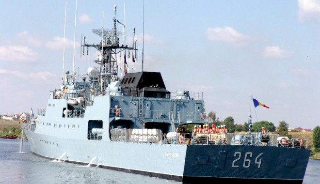 """Foto: Corveta """"Contraamiral Eustațiu Sebastian"""", în misiune pe Marea Neagră"""