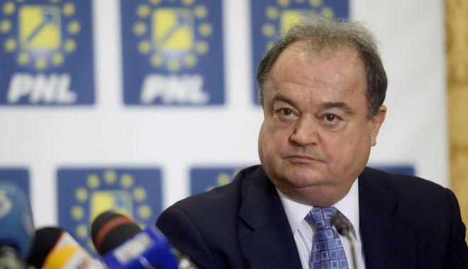 Foto: Vasile Blaga, de acord  cu reunificarea dreptei  pe scena politică