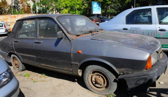 Vehiculele părăsite pe străzile Constanţei, ridicate de primărie - vehiculeleparasite1-1614974530.jpg