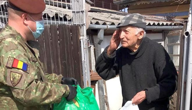 Foto: Militarii, în sprijinul veteranilor de război și militarilor în retragere