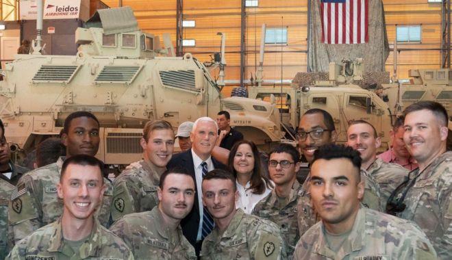 Foto: Vicepreședintele american Mike Pence, vizită-surpriză în Irak
