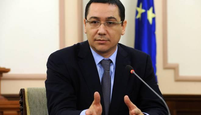 """Foto: Ponta vrea la alegerile din 2016 """"oameni fără pată"""""""