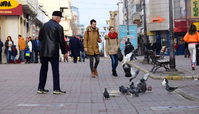 Foto: Vine frigul la Constanța. Nori și ploi, în următoarele zile