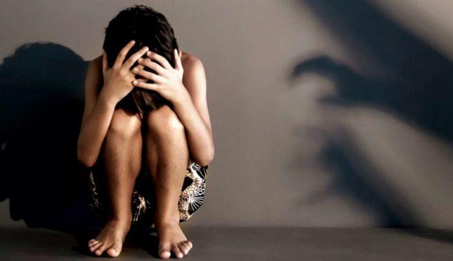 Fetiță de 10 ani, agresată sexual în scara unui bloc / Suspectul, un bărbat de 46 de ani - viol-1579291760.jpg