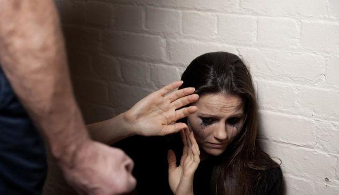 Foto: Violența în familie, între ordin de protecție și împăcarea victimei cu agresorul