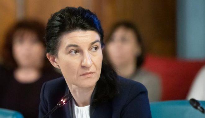 """Violeta Alexandru: """"Firea să îi retragă sprijinul politic lui Bădulescu"""" - violetaalexandruonline-1606299903.jpg"""