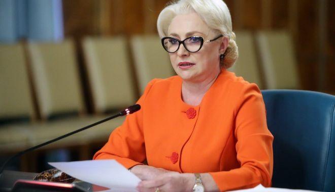 """Foto: Viorica Dăncilă: """"Dacă moțiunea nu va trece, venim cu remanierea"""""""