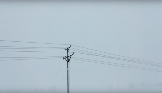 Locuitorii comunei Bărăganu nu au curent de două zile - viscolenergieelectricaenel-1483866966.jpg