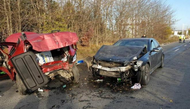 Foto: Tragediile rutiere din Lazu și de pe strada Mircea. Mercedesul rula cu 170 km/h, Audiul cu 125 km/h? Așteptăm informațiile oficiale