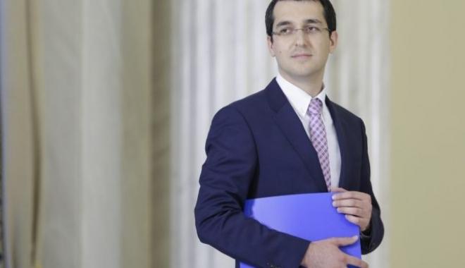 Vlad Voiculescu: Nu voi candida la alegerile parlamentare - vladvoiculescuministru-1475916589.jpg