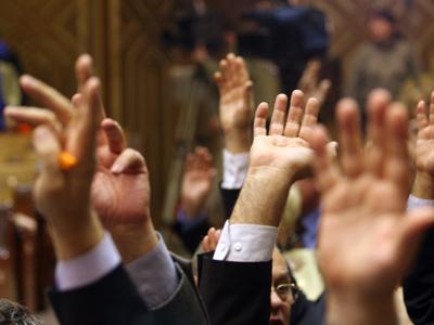 Foto: Ședința parlamentarilor pentru ministerul lui Orban, reluată