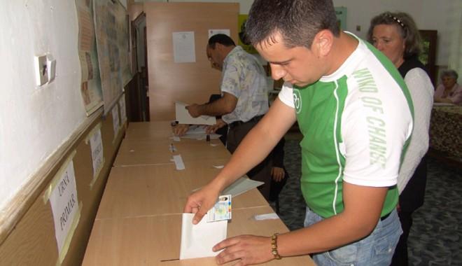 Foto: Primarii trebuie să returneze banii pentru alegerile locale