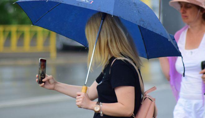 Foto: Vreme instabilă, la Constanța. Meteorologii au emis și o avertizare cod galben de furtuni