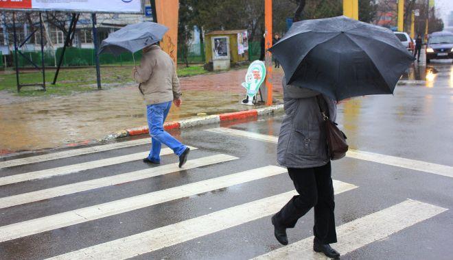 Vreme instabilă şi răcoroasă, în weekend, la Constanţa - vreme-1605295331.jpg
