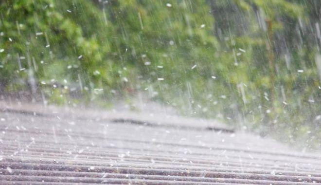 Foto: Alertă ANM. Județele în care se anunță cod galben de ploi și grindină