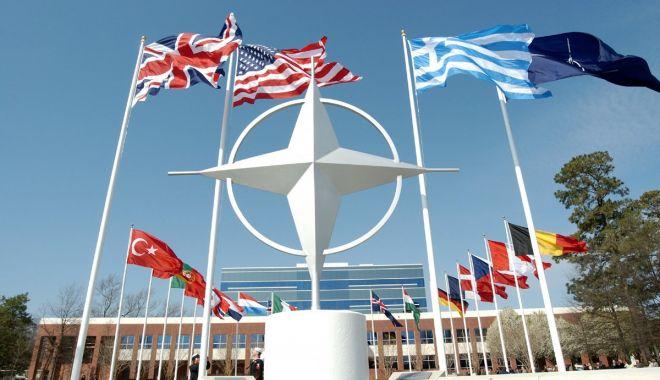 Foto: Washingtonul minimizează criticile franceze la adresa NATO