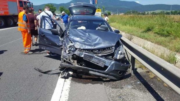 Foto: Accident pe DN1. Șase persoane, între care și doi copii, au fost rănite