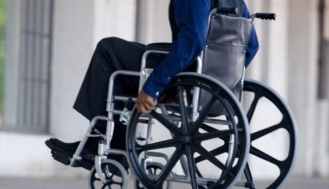 Persoanele cu dizabilități vor primi un voucher de 5.000 euro. În ce condiții - wheelchairgeneric0650x4351000x60-1557780200.jpg