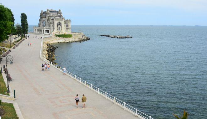 Foto: Wi-Fi gratuit pe faleza Cazinoului pentru constănțeni și turiști