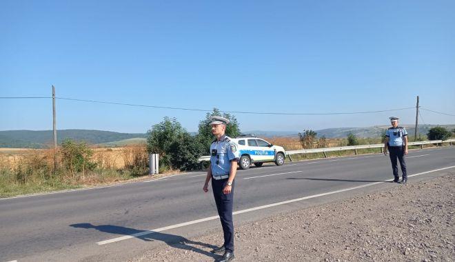 """PERMISE AUTO REȚINUTE pe DN 39 și DN 2A. Polițiștii de la Rutieră """"vânează"""" vitezomanii! - xrutiera-1632741726.jpg"""